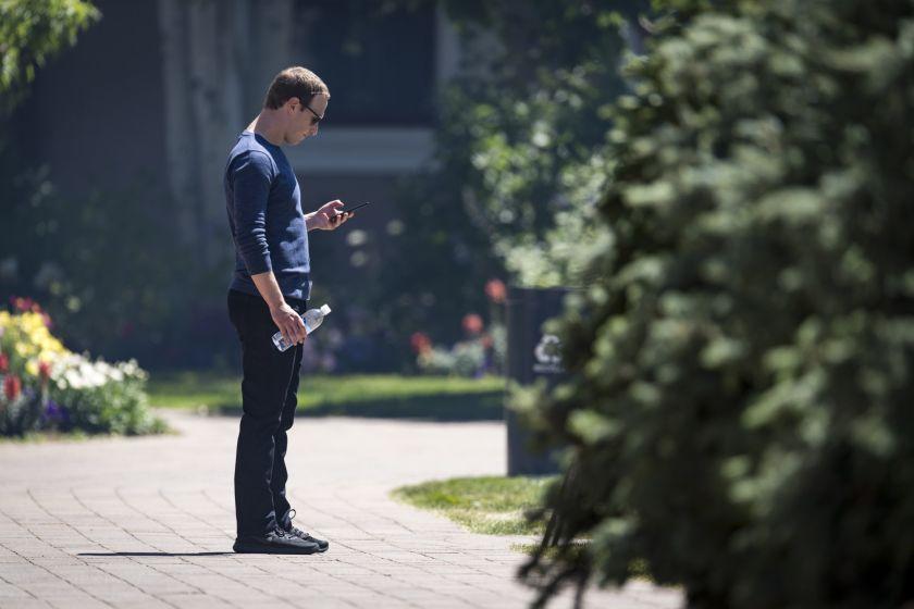 Facebook: Mark Zuckerberg defendió las publicaciones que niegan el Holocausto