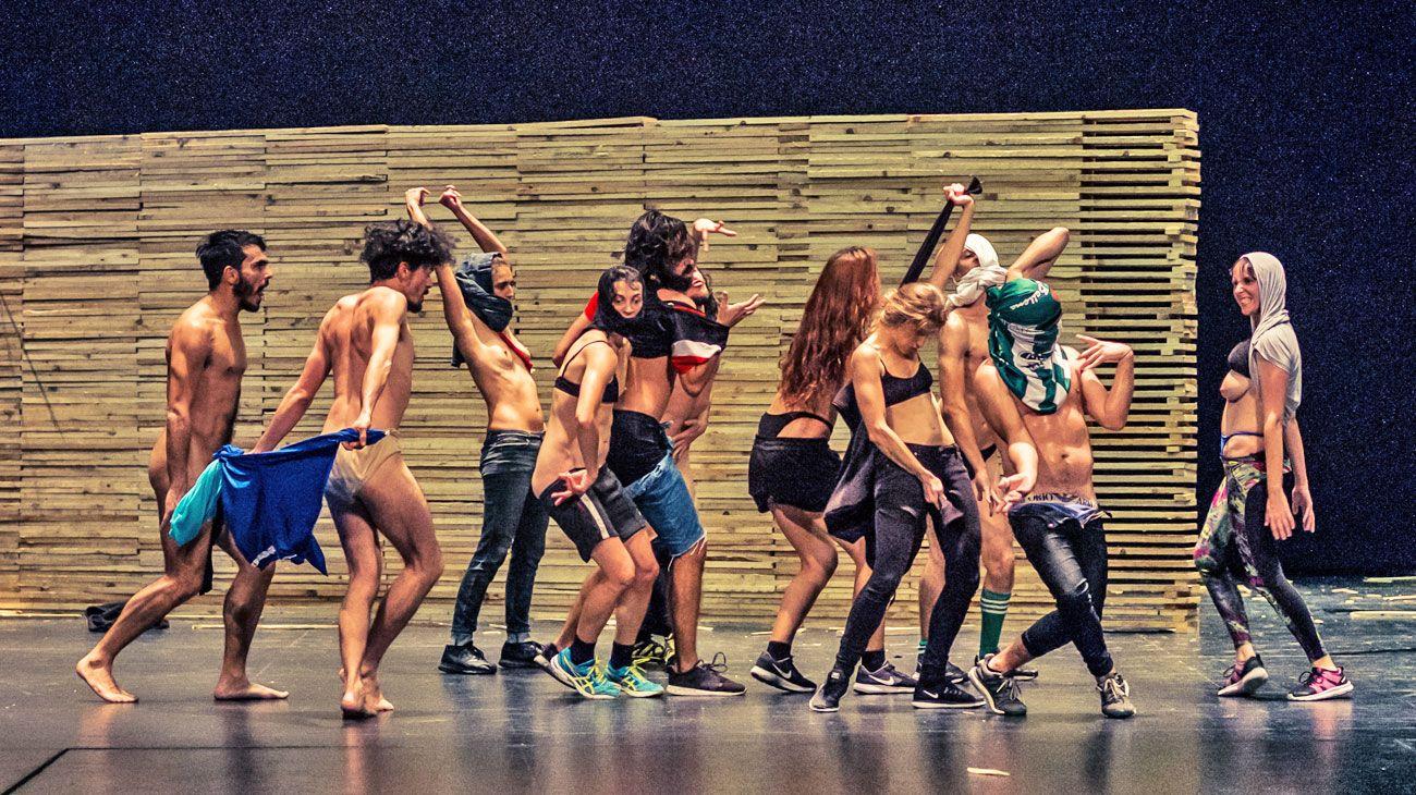 Fenómeno.  El autor considera que en Uruguay las artes escénicas se benefician con la fuerte presencia institucional, y la pluralidad de formatos de producción en teatro.