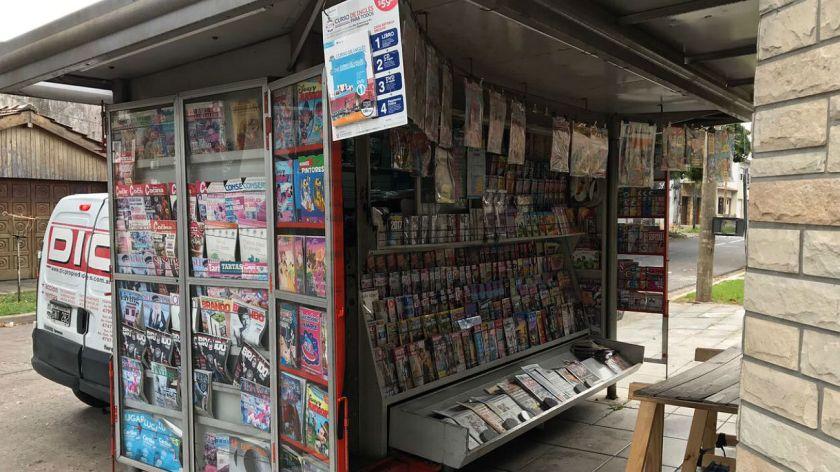 Los kioscos de diarios podrán entregar correspondencia y compras por Internet