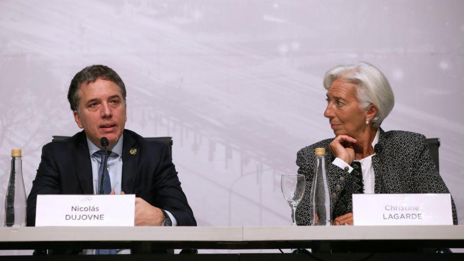 La titular del FMI, Christine Lagarde y el Ministro Nicolas Dujovne, en conferencia de prensa en la reunion del G20.