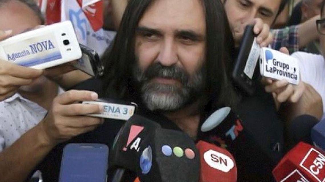 Teachers union leader Roberto Baradel.