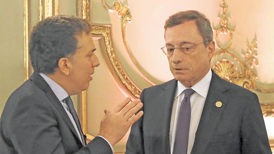 G20. Dujovne y Mario Draghi, titular del Banco Central Europeo, la semana pasada.