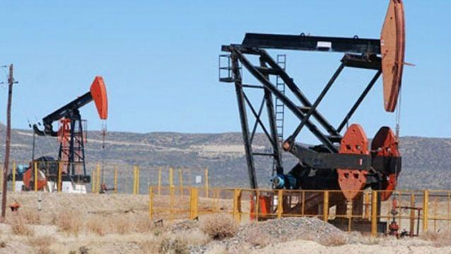 Petróleo venezolano cae por quinta semana seguida y cierra en 64,95 dólares