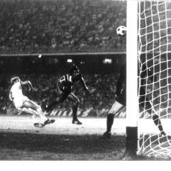 1971 2º gol a Bayern Munich