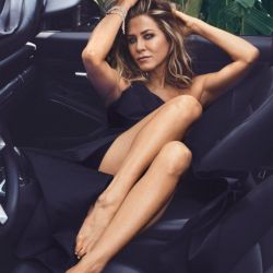 Jennifer_Aniston_In_Style (2)
