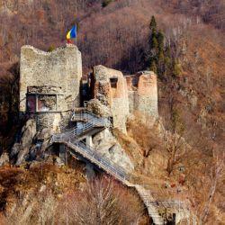 Las ruinas del castillo Poenari en Rumania