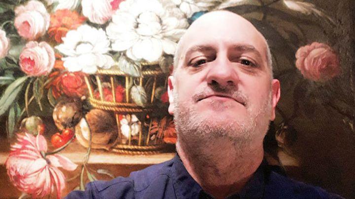 Laurencio Adot redobló la apuesta y siguió con los extraños mensajes en las redes