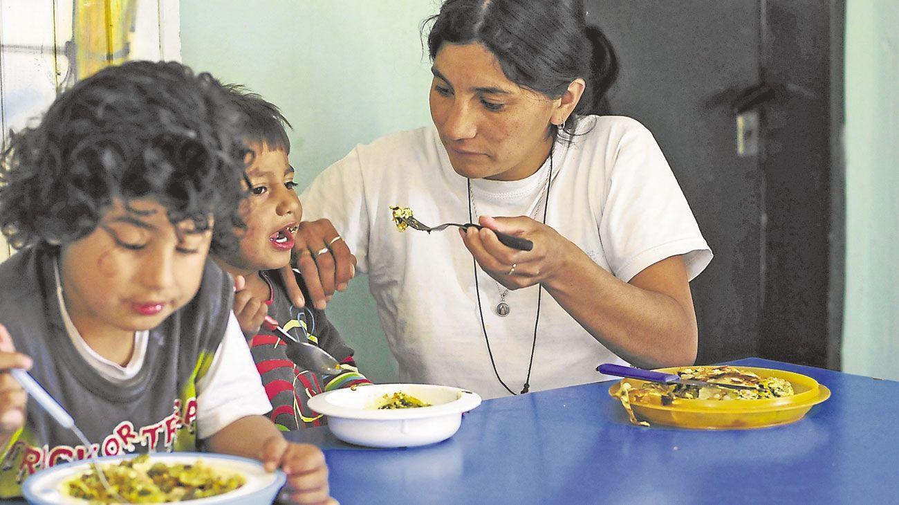 Asistencialismo. En el caso de la desnutrición, la alimentación inside en un 40%, pero el 60% restante tiene que ver con determinantes sociales. Por eso, el abordaje debe ser multidisciplinario, según la OMS.