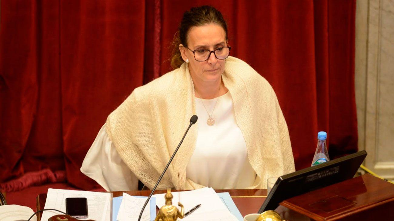 La vicepresidenta Gabriela Michetti, titular del Senado, llegó a la sesión una hora tarde.