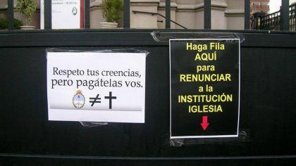 Desde la Coalición Argentina por un Estado Laico promueven una apostasía colectiva.