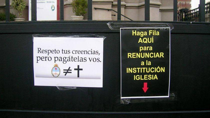 Miles de argentinos renuncian a la iglesia católicos