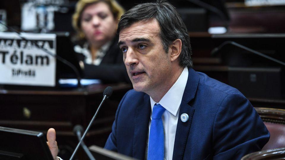 Esteban Bullrich votó en contra de la despenalización del aborto.
