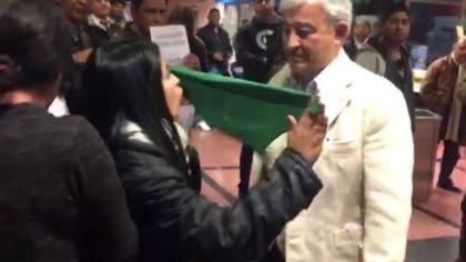 El senador Martín Grande vivió un momento tenso en el aeropuerto de Salta.
