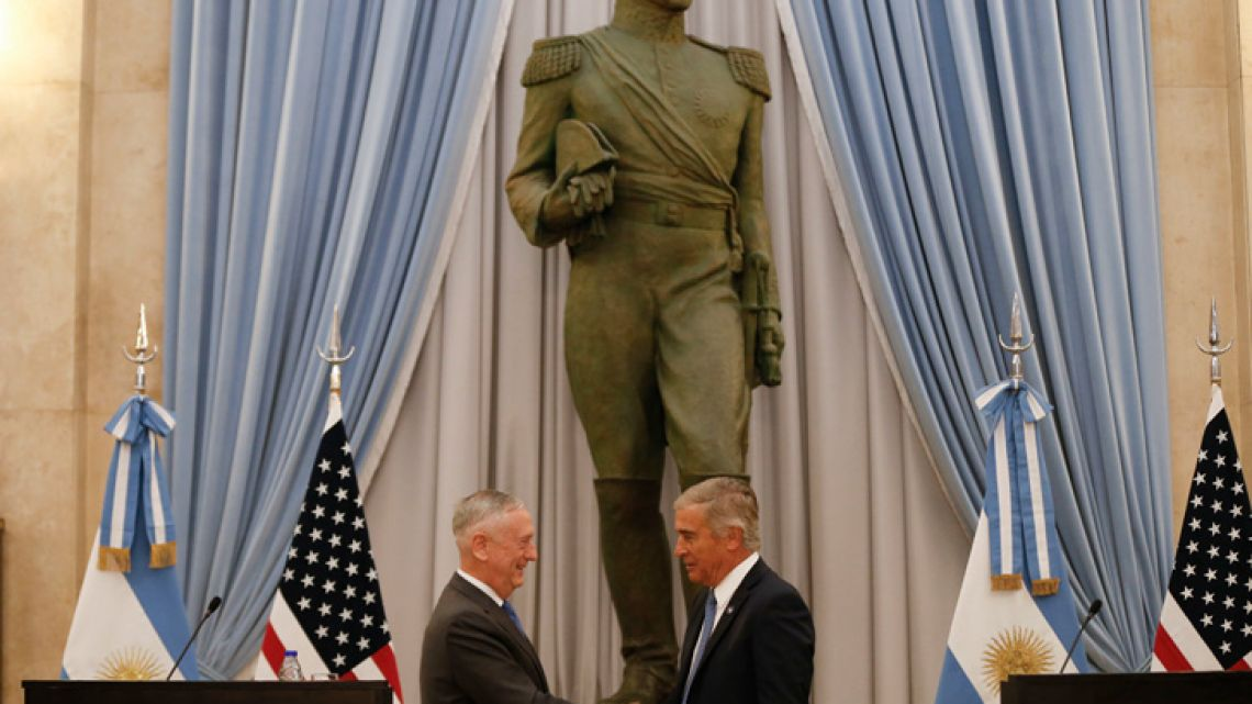 US Defence Secretary James Mattis and his Argentine counterpart Oscar Aguad in Buenos Aires on August 15, 2018.