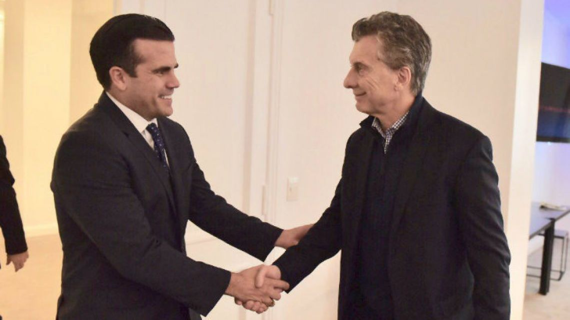Ricardo Rosselló meets Argentine President Mauricio Macri in Buenos Aires.