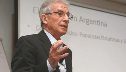 """COMO GENERAR COMPETENCIA. """"La Generación Distribuida es una forma de independizar a los consumidores de proveedores ineficientes"""", asegura el doctor Fernández, de Cacme."""