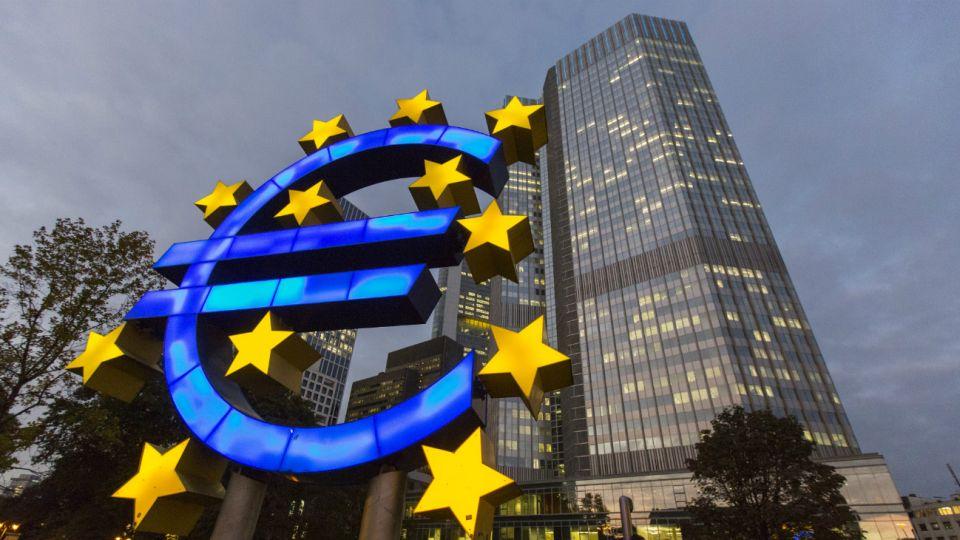 El Banco Central Europeo advierte a bancos centrales sobre desequilibrios.