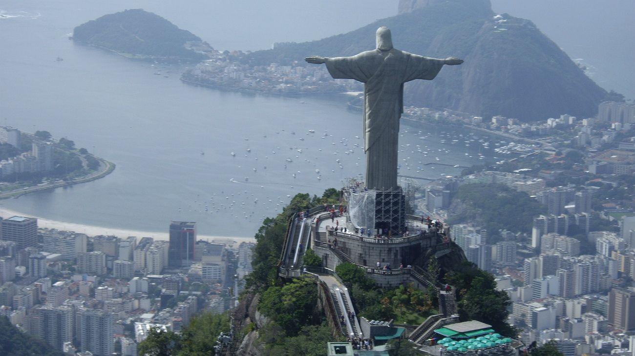 Dos mil millonarios brasileños abandonaron el país en 2017, según New World Wealth.