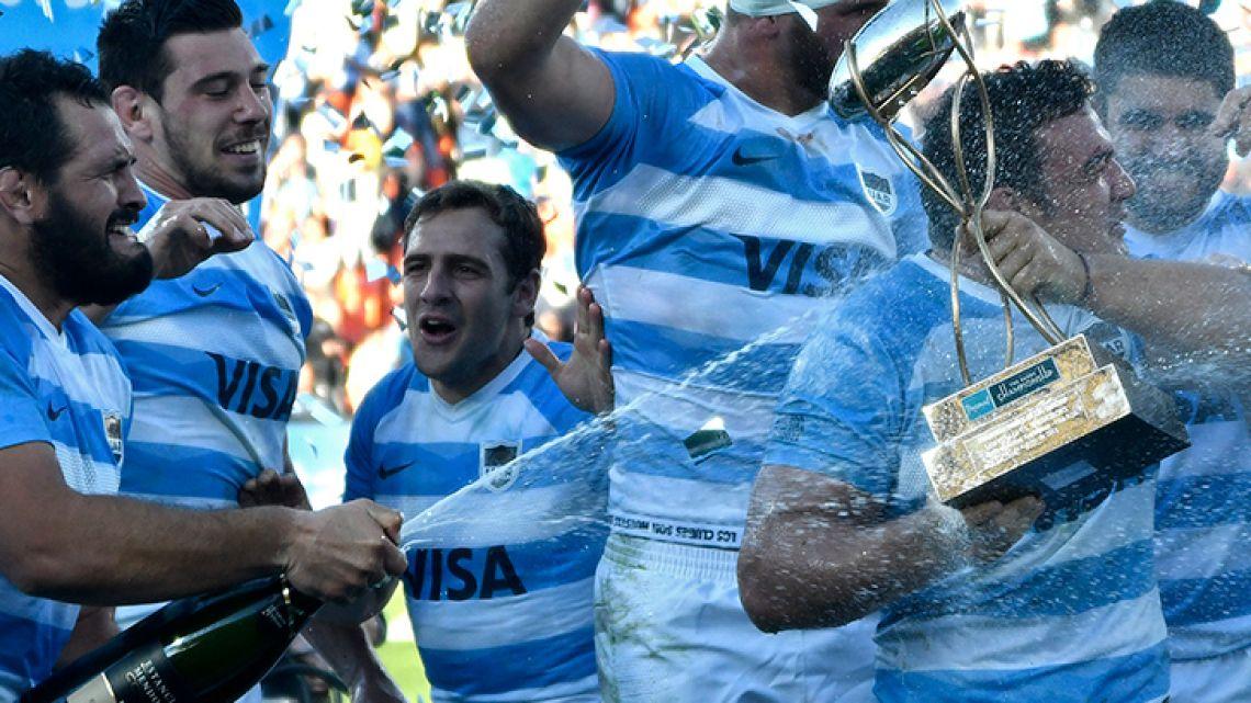 Los Pumas celebrate after defeating the Springboks at the Malvinas Argentinas stadium in Mendoza on Saturday.