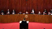 La Corte Electoral de Brasil, en su candente votación de este viernes.