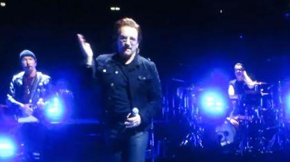 Bono se quedó sin voz en pleno concierto en Berlin.