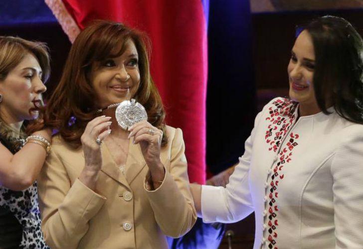 Archivo 2016. Cristina recibía en septiembre de ese año la condecoración en Ecuador.