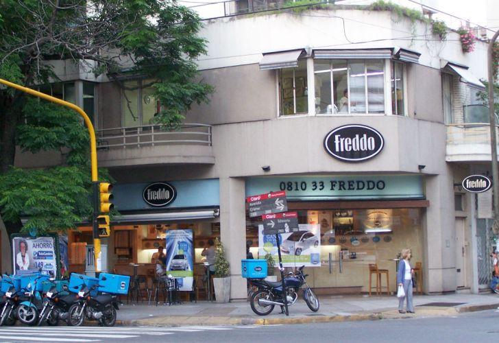 Las empresa de helados Freddo reconvierte el negocio.