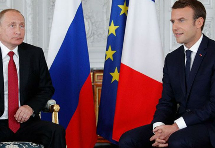 Macron_Putin_201897
