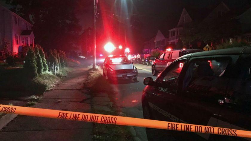 Una mujer confundió dinamita con una vela y resultó gravemente herida