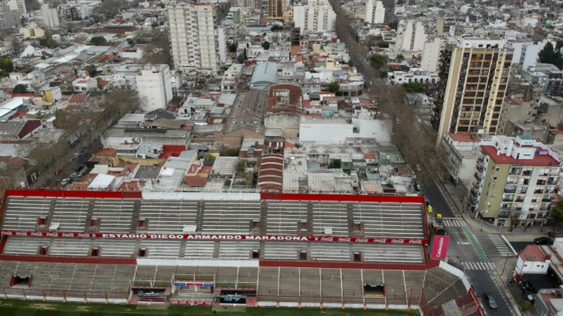 "Argentinos Juniors' stadium will change its name to ""Estadio Autocrédito Diego Armando Maradona."""