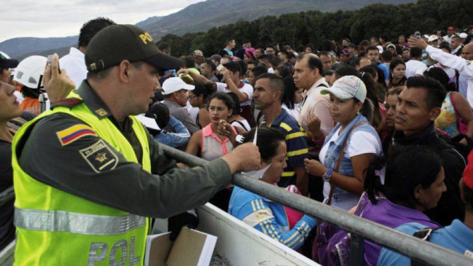 El éxodo venelozano dispara una ola de xenofobia latina