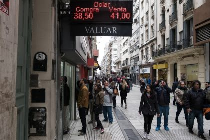 Argentina to Go Deeper Into Recession, Central Bank Survey Says
