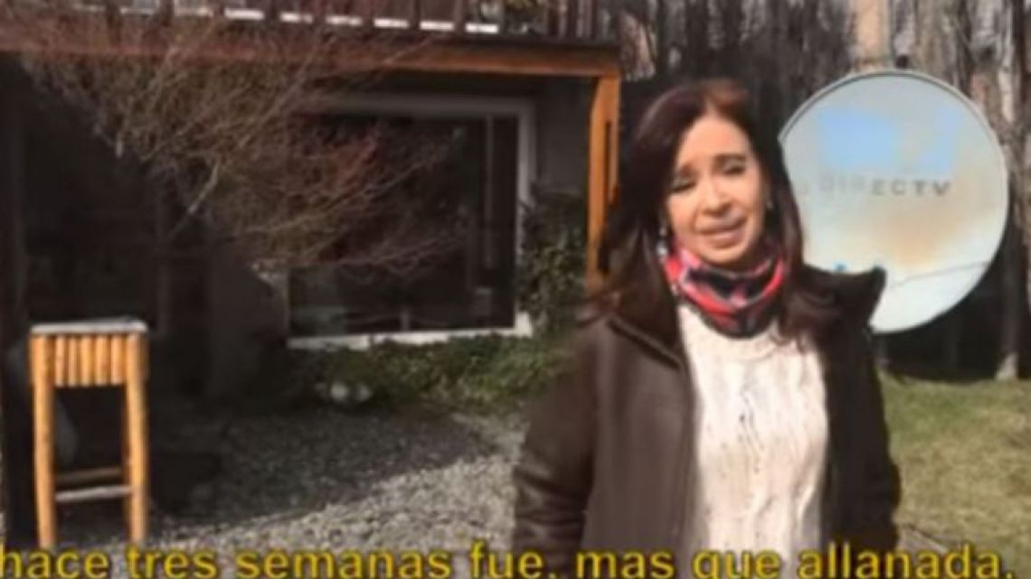 Cristina Fernández de Kirchner offers a tour of her house after a court-ordered search.