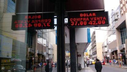 RETO. Lograr un dólar competitivo, a partir de una fluctuación entre bandas que establecería un piso y un techo para la divisa.