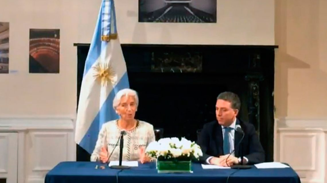 IMF chief Chritine Lagarde (left) and Finance Minister Nicolás Dujovne give a press conference in New York.