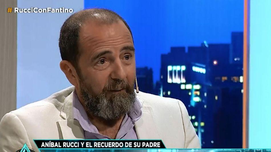 Aníbal Rucci, con Fantino en Animales Sueltos.