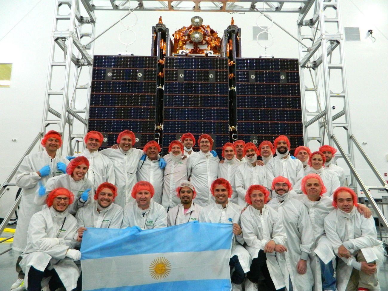 El equipo a cargo de la misión Saocom, en la cuenta regresiva del lanzamiento