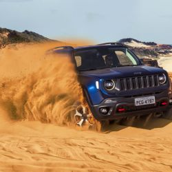1-jeep-renegade-trailhawk
