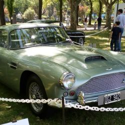 12-aston-martin-db4-1960