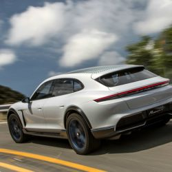 3-mission-e-cross-turismo-california-2018-porsche-ag