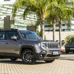 6-jeep-renegade-limited