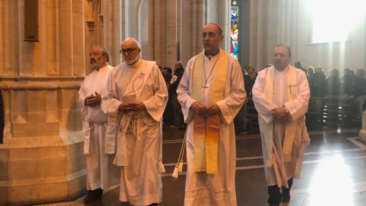 el-arzobispo-victor-fernandez-al-frente