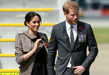 Los duques de Sussex durante su llegada a Nueva Zelanda.