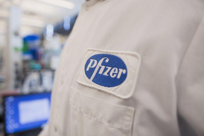 Participantes reciben vacuna experimental de Pfizer contra Covid-19