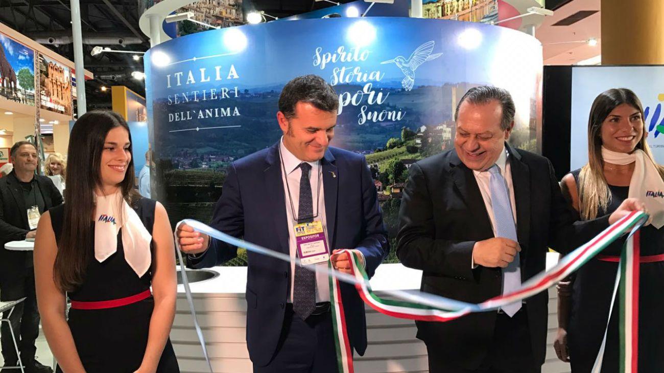 El acuerdo fue firmado por el secretario Gustavo Santos y el ministro italiano Gian Marco Centinaio.