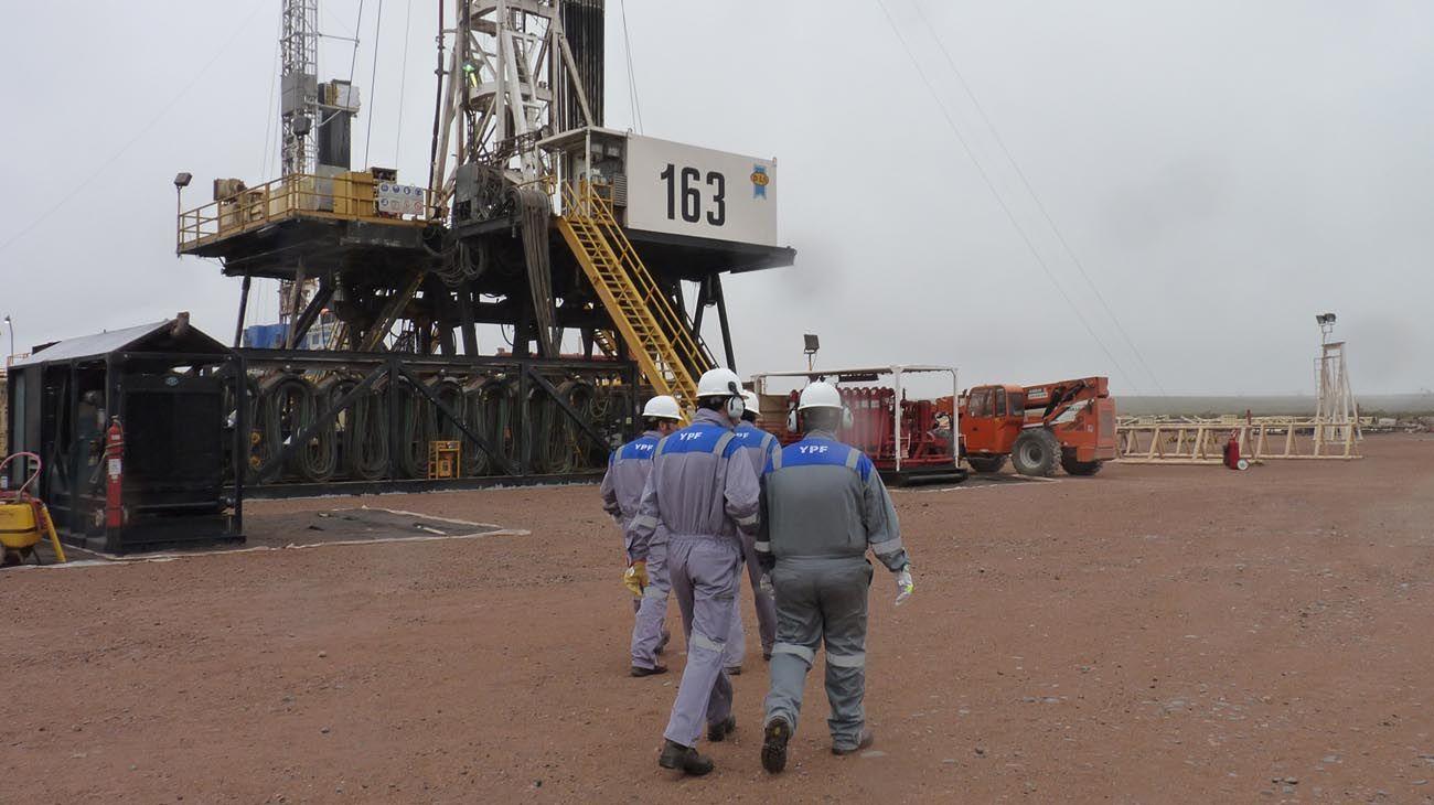 CUADROS. El gas sube 35% este mes y un 10% más en enero.