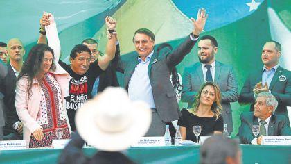 20181006_1349_columnas_Campa_a_electoral_en_58917907
