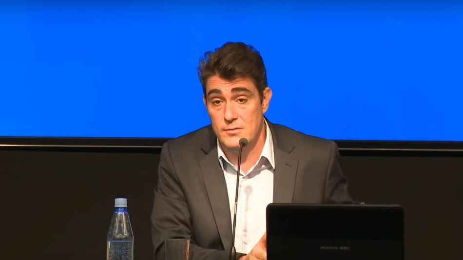 Javier Iguacel, en conferencia de prensa