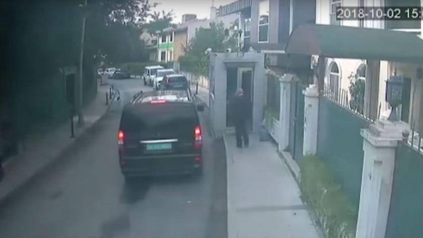 Periodista saudí ingresó a consulado y desapareció