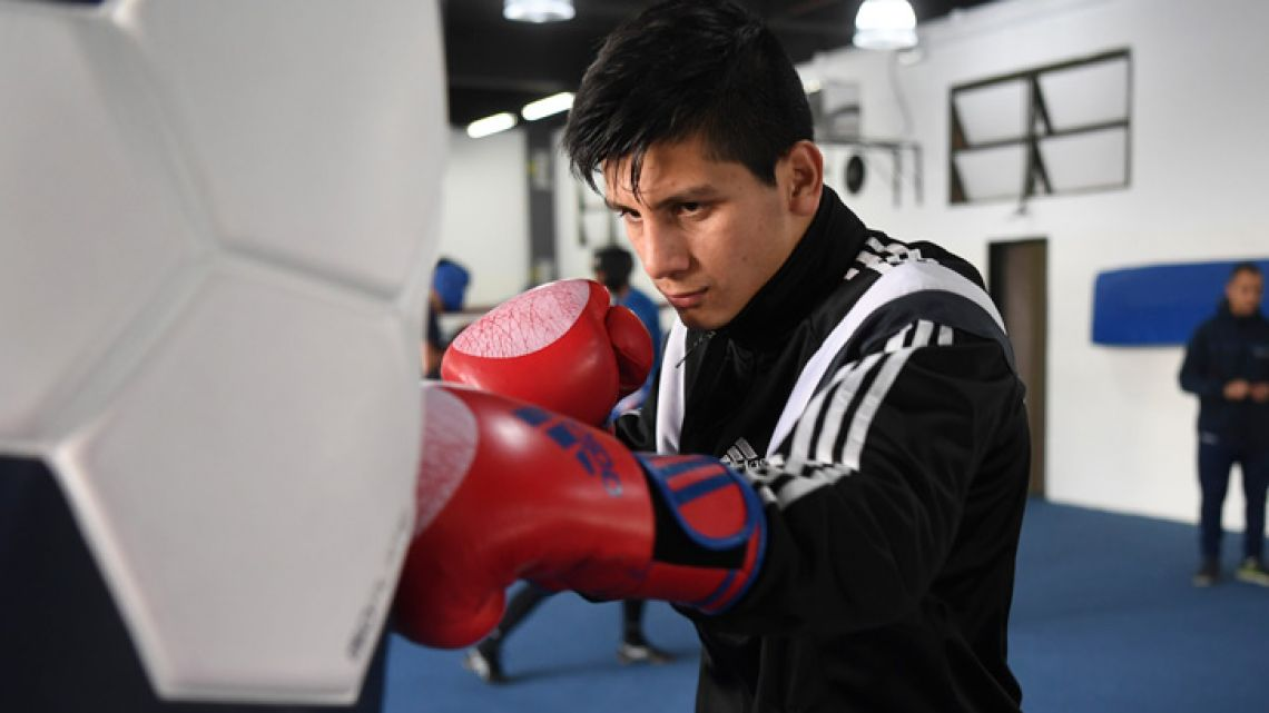 Argentine boxer Brian Arregui takes part in a training session in Buenos Aires on October 01, 2018.